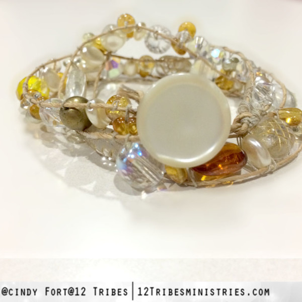 swarv + pearl + amber gold back